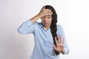 Los dolores de cabeza son los síntomas de estrés más comunes que enfrentan las personas.